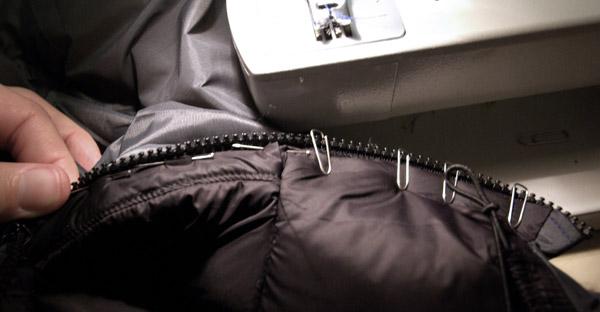 Assemblage du zip avec l'intérieur